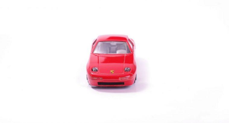 Bburago Porsche 928 S4 modeliukas