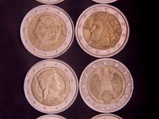 Aštuonios skirtingų šalių 2Eur monetos