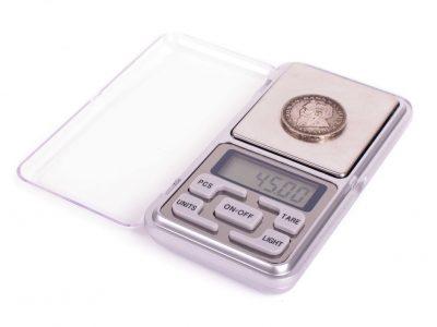 Precizinės svarstyklės numizmatikai, juvelyrikai ir smulkiems objektams sverti (iki 200g)