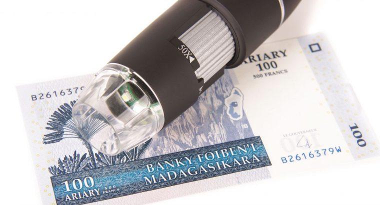 Skaitmeninis mikroskopas 50x – 500x su stoveliu