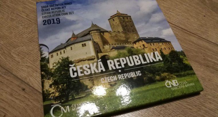 2019 metu Cekijos kronu rinkinys su medaliu oficialioje pakuoteje