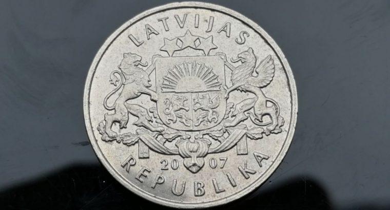 Progine vieno lato moneta 2007 su besmegeniu