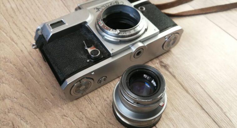 Analoginis fotoaparatas KIEV su deklu